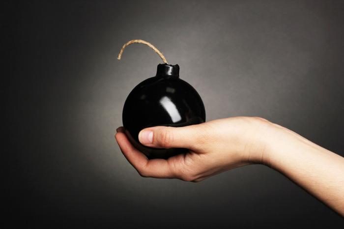 a bomba da auto sabotagem que elimina o seu foco
